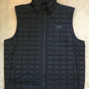 The North Face Men's Thermoball Vest, size XL.